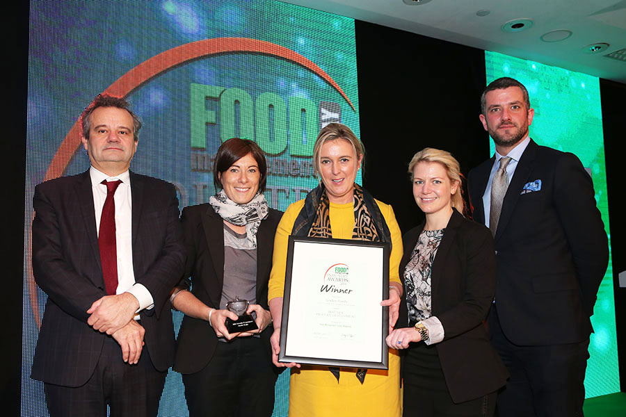 BEST NEW PRODUCT DEVELOPMENT - M&S Coriander & Lemongrass Chicken Burger - Linden Foods<br>Mark Hix, Ali Rodham of M&S, Pauline Gordon of Linden Foods and Steph Brunyee of M&S with category partner Henry Horkan of Bord Bia.