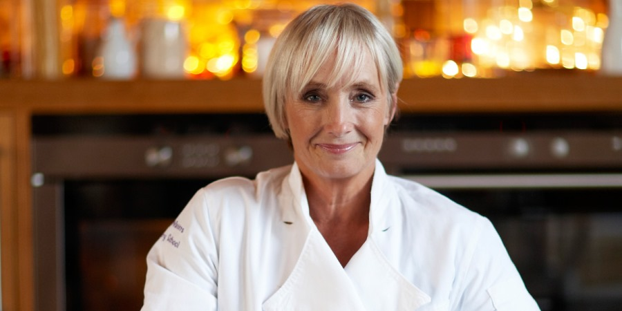 Celebrity chef Lesley Waters will co-host the Women in Meat Industry Awards.