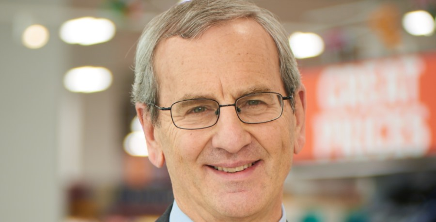 Sainsbury's chairman steps down